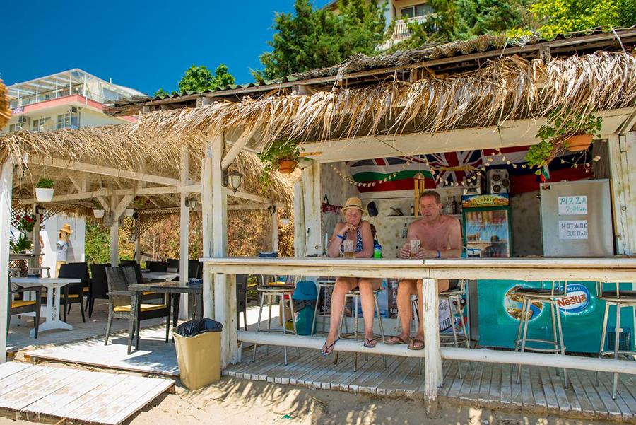 hotel iris beach, hotel iris beach sveti vlas, sveti vlas hoteli, sveti vlas aranzmani, aranzmani cene sveti vlas, sveti vlas popusti