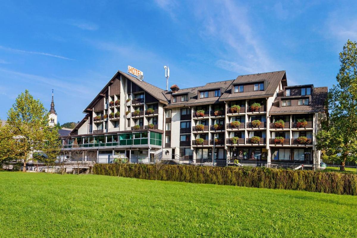 hotel cerkno, slovenija skijanje, slovenija zimovanje, zima slovenija