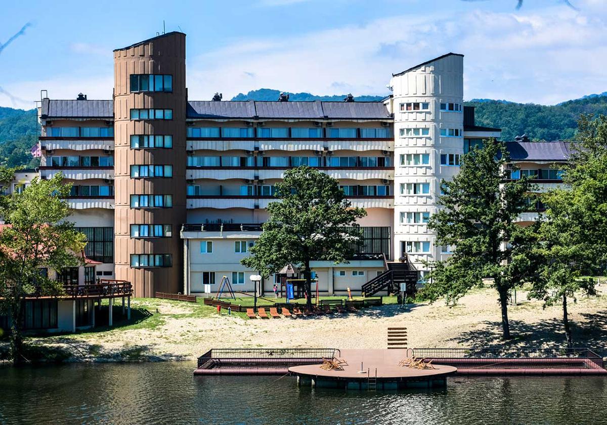hotel jezero borsko jezero, borsko jezero smestaj, odmor u srbiji vaucer republike, odmor u srbiji jeftino